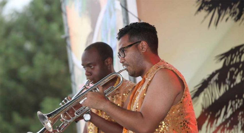 brassband-carousel10