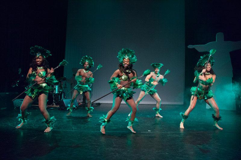 indianen-dans-car14