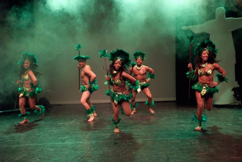 indianen-dans-car5