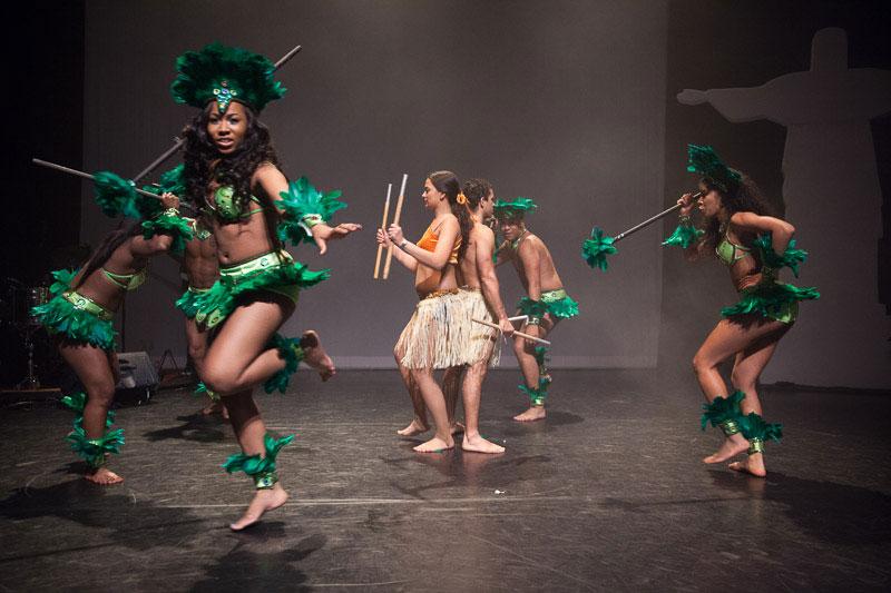 indianen-dans-car6