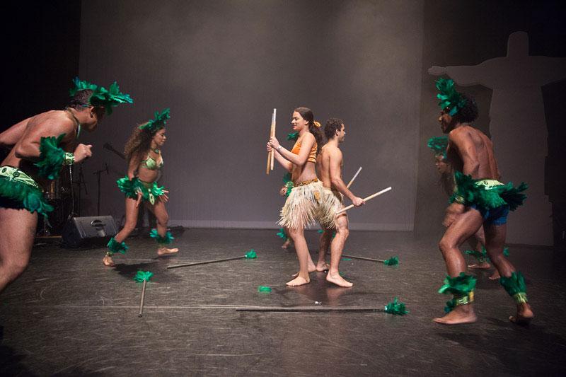 indianen-dans-car8