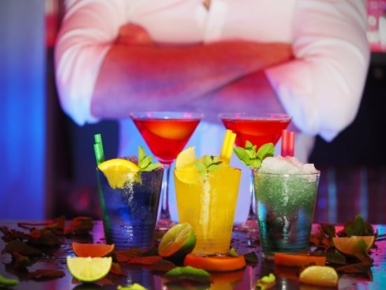 cocktails-catering-bediening-cocktail-service-dancarinas-tropicais-www.dancarinas-91-min