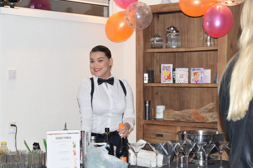 cocktails-catering-bediening-cocktail-service-dancarinas-tropicais-www.dancarinas-93-min