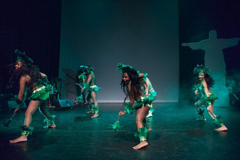 indianen-dans-car15