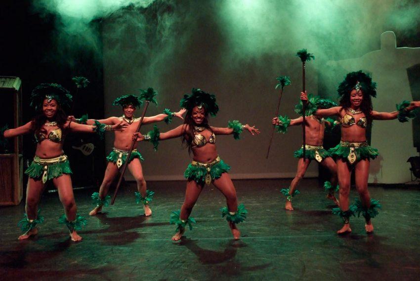 indianen-dans-car4